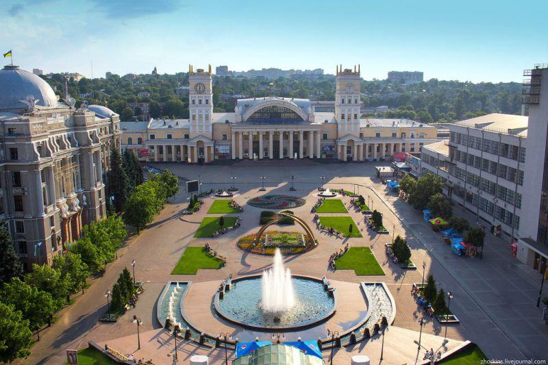 Новини Дніпра. Вокзал Дніпра увійшов до списку найкрасивіших в Україні: яскраві фото всіх