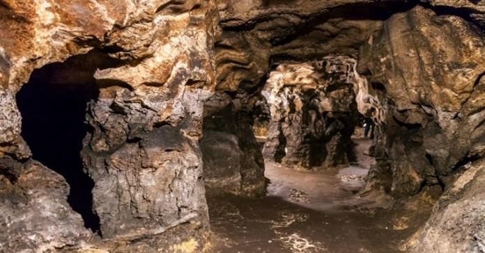 Археологи відкопали в печері на Тернопільщині фігурки трипільських Богинь.